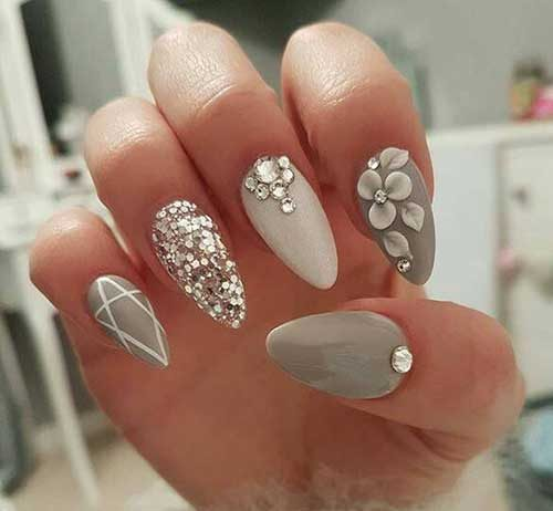 Famed Glittered Nail Arts You Will Love