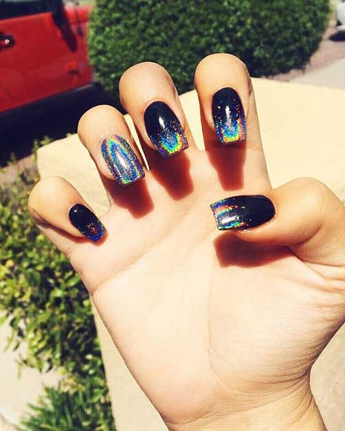 Eye-Catching Holographic Nail Designs
