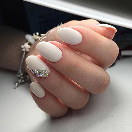 11 Ivory Wedding Nails 390