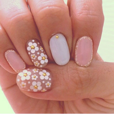 Daisy Nail Design, Daisy Pale Easy Flower