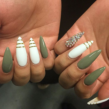 Stiletto Green and White Nails, Stiletto Almond Acrylic Ongles