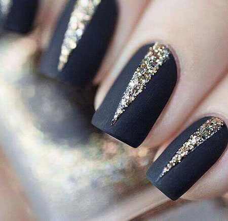 Elegant Short Nails, Nails Black Matte Gold