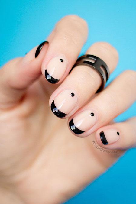Nude Black Manicure But