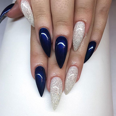 Stiletto Shapes Ongles Blue